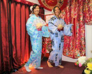 來自香港的客人們,謝謝您們來體驗浴衣,兩位選擇夏日風情的花樣款及傳統花樣款,穿浴衣,逛淺草、在淺草寺、雷門拍照體驗日本夏日風情,能為這次的日本旅行中留下難忘的回憶呢!!!