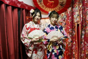 伝統的な着物をお選び、ありがとうございました。素敵でお似合いですね。