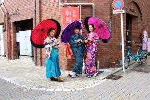 來自台灣來的客人,女孩們體驗到大正時代的學生制服和服搭配也很可愛呢!!