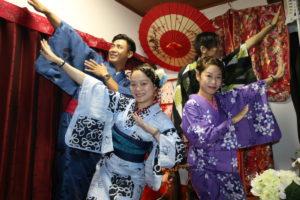 玩得十分盡興的香港情侶們!!!