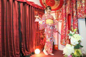 伝統の袴体験です。