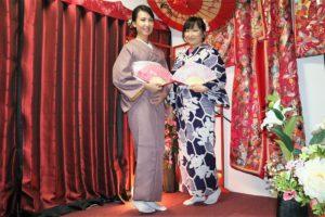 來自海外的客人,選擇有帶有吉祥意義花紋的浴衣,及高雅高貴的江戶小紋和服體驗,很美呢!!!