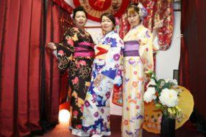 海外からお越しのお客様です。三人とも素敵な着物をお選びました。たのしんでくださいね。