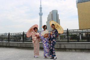 和服体験ありがとうございます。浅草、浅草寺、雷門楽しんでくださいね。