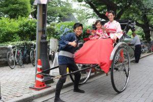 #USA #Rickshaw #kimono 穿著和服搭 #人力車,看起來十分好玩呢!