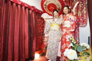 台湾からお越しのお客様です。当店人気の可愛い着物をお選びました。ありがとうございます。