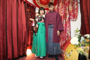 来自台湾的客人😊 两位都选择了袴、袴是非常传统非常的可爱的和服。👘👘