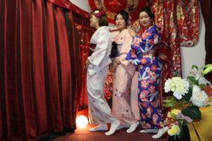 海外からお越しのお客様です😊初めての#和服体験、ありがとうございます。#日本の伝統的 な和服をお選び頂きました👘とても素敵ですね❤️来自韩国的客人😊谢谢在我店初次体验和服👘❣️❣️选择的是日本传统的和服非常漂亮的😍