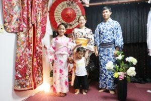 海外からご家族でお越しのお客様です💗 皆様伝統的な浴衣をお選び頂き浅草観光です👘和服体験ありがとうございます😊 來自海外的客人們,大家都體驗日本傳統的浴衣準備淺草觀光,祝您們觀光愉快!謝謝你們!