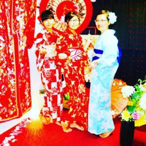 台湾からお越しのお客様です。伝統的な秋浴衣をお選び頂きました。ありがとうございます👘😊 來自台灣的客人們,選擇傳統的秋日浴衣,非常適合您們喔!