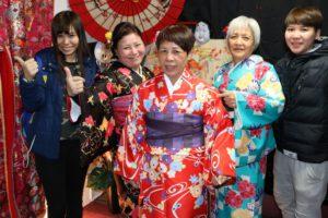 台湾からお越しのお客様です(^^)v姉妹で日本の伝統和服を体験 して頂かまさた。ありがとうございます\(^o^)/ 从台湾来的客人,是三姐妹喔(^^)v选择了一起体验日本的和服,并留下了有意义的纪念照片.祝你们在日本旅行一切顺利,玩的开心\(^o^)/