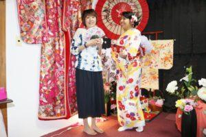 フランスからお越しのお客様です😊 和柄模様の可愛いお着物をお選び頂きました💕とてもお似合いですね(*^▽^*) 日本旅行楽しんで下さいね✈️🤗 來自法國的客人,選擇和風花樣可愛的和服,非常適合您,祝您在日本旅行愉快