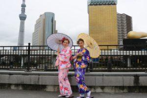 タイ、ドイツからのお客様です(^^)初めての和服体験ありがとうございます😊レトロモダンなお着物がドイツてもお似合いです。浅草観光楽しんで下さいね(^ ^) 海外的客人,初次的和服体验,选择的都是传统的款式,可爱的粉色和服以及带有复古感的紫色和服,都很漂亮,愿你们在浅草玩的开心!