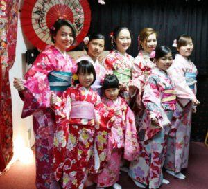 マレーシアからお越しのお客様です。お時間のない中、和服体験ありがとうございます😊 马来西亚来的客人,在百忙之中选择了我们店的和服体验,非常感谢您的信任,每一位选择的和服都很适合自己,很美丽😊愿你们在日本旅行一切顺利愉快!