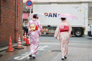 #レトロモダン なお #着物 をお選び頂きました。 🌸桜🌸 #日本 情緒ある #浅草 で、#散策 #観光 にお #着物 でお出掛けくださいました。ありがとうございます😊楽しんで下さいね🎵