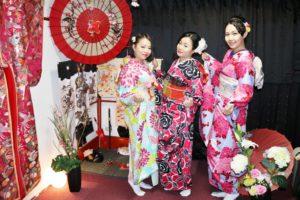 #台湾 からお越しのお客様です^_^皆様カジュアル #振袖 プランをお選び頂きました(^∇^)とても豪華で素敵ですね♪ #浅草観光 楽しんで下さいね(^ ^)♪ 來自台灣的客人,都選擇傳統和服-振袖,都非常華麗非常漂亮喔!♪ ♪ 祝您們在淺草觀光愉快(^ ^)♪