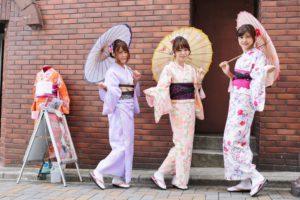 #女子会和服コーデ 👘は、 #華やか で上品な感じがとても素敵ですね☺️