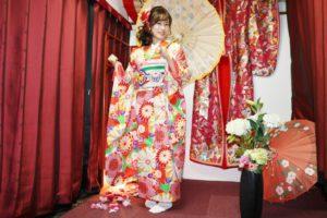 2018年成人式の前撮りでご利用頂きました。#宮脇咲良 ちゃんも着て頂きました本振袖です。とてもお似合いで可愛いですね💕💕💕浅草巡り楽しんで下さい❣️