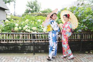 東京旅行にいらっしゃって浅草観光です💕 朝顔の浴衣に着替えてお出掛けました。楽しんで下さいね😊 到東京旅行準備在淺草觀光的客人,換了牽牛花圖案的浴衣,祝您們在淺草觀光愉快!❤️❤️❤️❤️