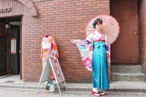 #振袖 に #袴 の伝統スタイルです。可愛らしいですね
