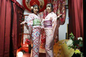 #台湾からお越しのお客様です。お二方ともお着物がお似合いです。