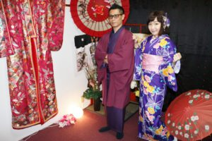 香港からお越しのお客様です。紳士の和服に、伝統的なお着物をお選び頂きました。とてもお似合いで素敵です。浅草観光楽しんで下さい。 來自香港的客人,體驗紳士的和服及傳統和服,非常適合您們,祝您們在淺草逛的愉快