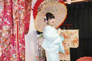 台湾からお越しのお客様です。お友達のご紹介でのご利用ありがとうございます👘😊💕✨✨ 伝統柄をお選び頂きました。とてもレトロ感のある和服がお似合いで素敵です(*^▽^*)  來自台灣的客人,經由朋友介紹來本店利用,選擇日式傳統的花紋,日式復古的感覺非常適合您喔!