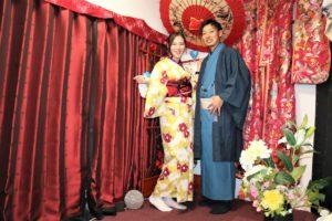 浅草で着物デート、二人ともお似合いで素敵ですね。