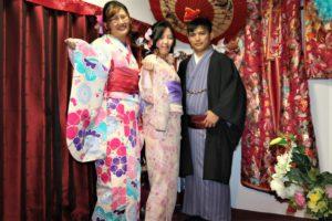 台湾、女性、男性、着物で浅草観光