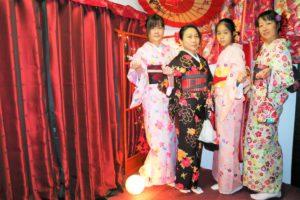來自台灣的溫馨家庭,每位女士、女孩都很美麗呢~