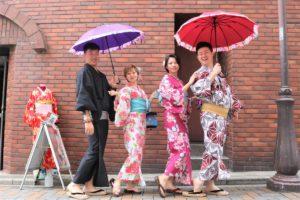 四位台灣情侶也一起來體驗浴衣!