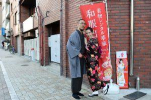 台灣來的情侶,穿上和服很有氣勢呢!