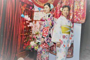 台湾からお越しのお客様です。謝謝您們來體驗和服,祝您們玩得開心喔