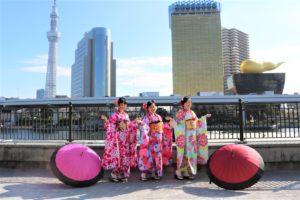 放寒假的台灣客人,特地來日本體驗振袖