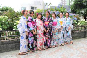 台湾から可愛いい仲よしグループです。