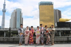 台湾來的7位好朋友、浅草浴衣散步去囉!