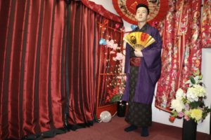 來自台灣的男士穿上了帥氣的和服