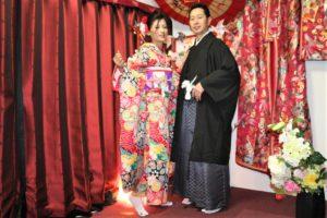 ベトナム 結婚の記念 和服 記念写真