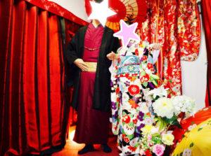 #海外 からお越しのお客様です❤️ #新柄 の豪華な #本振袖 と男性はえんじ色のお #着物 に黒の羽織を合わせてお選び頂きました👘✨お二人共お似合いで素敵です(*^^*) #和服体験 ありがとうございます😊  来自海外的客人❤️。 女生选择了新花样的振袖✨,男生选择了酒红色和服和黑色的外套。两个人都十分合适呢💕,谢谢你们来体验和服。