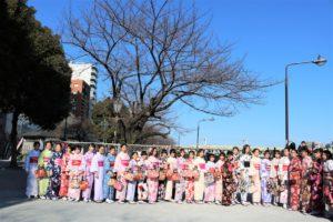中国学生団体女子