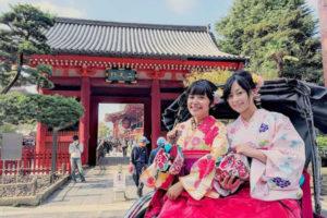 台灣人氣部落客-黑羊嘿咩叫 來本店體驗 穿上日式傳統的袴很適合你們呢!