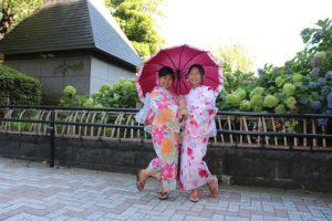 台湾からお越しの可愛らしい女の子。來自台灣的小女孩來體驗浴衣喔!!