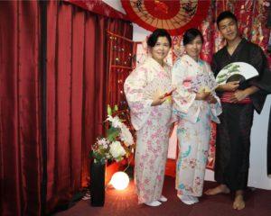 とても素敵でお似合いですね。 三位臺灣客人都挑到了很適合的和服呢!!