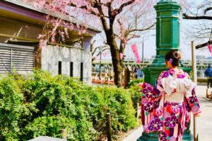 來自香港的客人,體驗第一正裝,本振袖,紫色系的和服,非常適合您喔