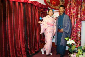 來自印尼的情侶,粉色與藍色的和服搭配很棒呢~