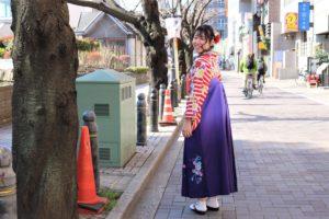 卒業おめでとうございます。かわいい袴でご出席
