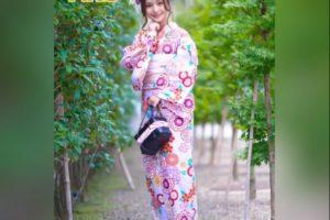 華雅公式モデル AKOちゃん 画像
