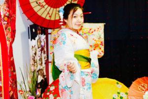 台湾からお越しのお客様です😊 白地に和柄の浴衣をお選び頂きました💕 和服体験ありがとうございます(*^▽^*)楽しんで下さいね💕