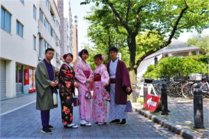 Guests from Vietnam wearing Kimono together. Lovely friendship.